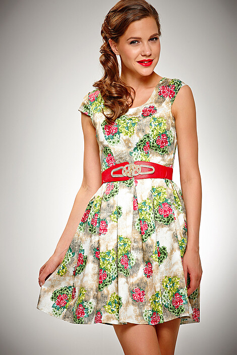 Платье за 890 руб.