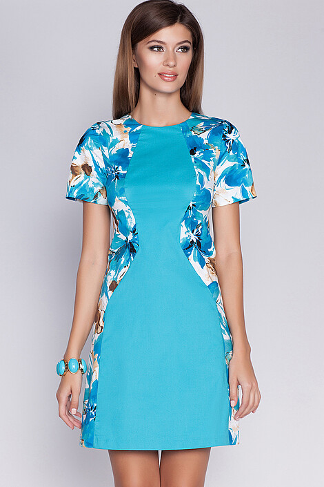 Платье за 740 руб.