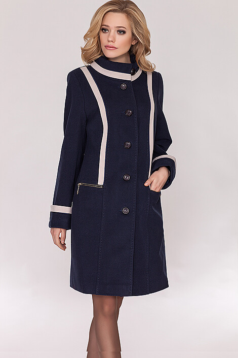 Пальто за 7600 руб.