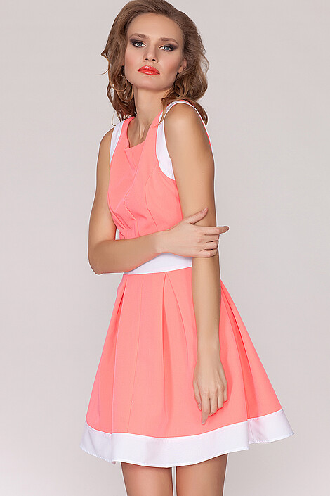 Платье за 1225 руб.