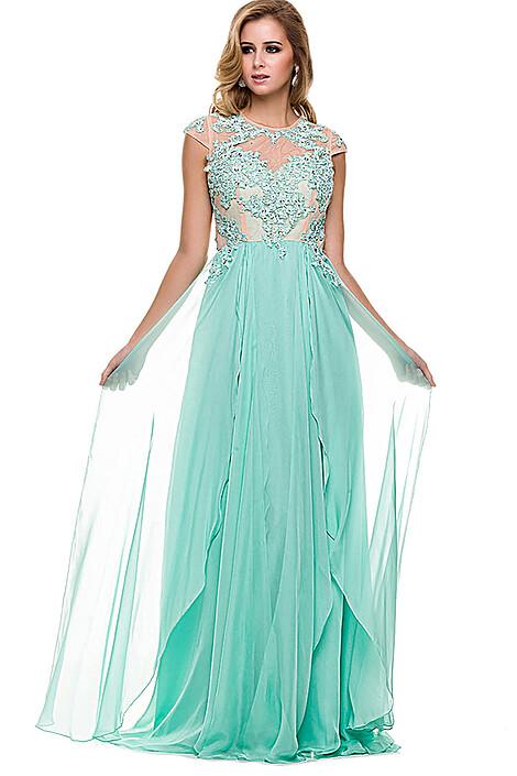 Платье за 17050 руб.