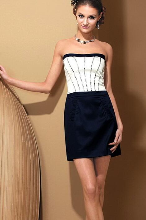 Платье за 6530 руб.