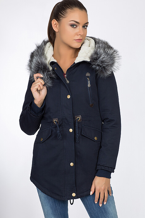 Куртка за 8390 руб.