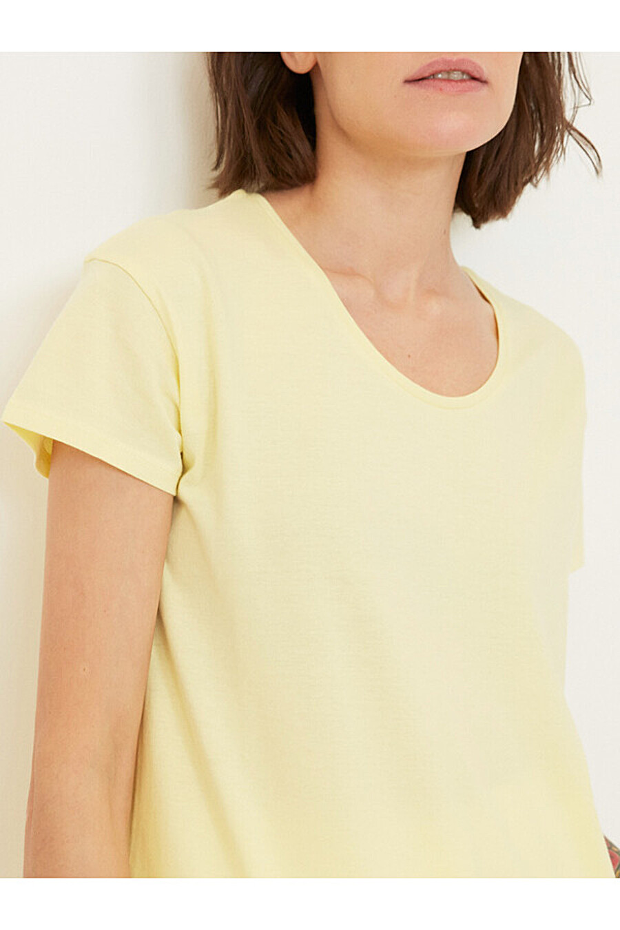 Футболка для женщин ZARINA 205162 купить оптом от производителя. Совместная покупка женской одежды в OptMoyo