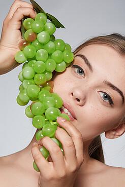 """Гроздь винограда """"Перуджа"""" Nothing Shop"""